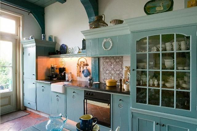 keuken met servieskast