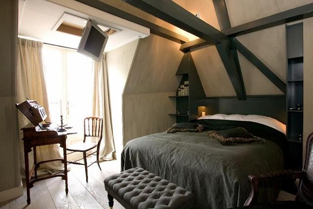 slaapkamer met dakkapel