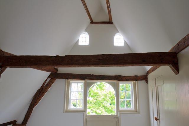 oude houtconstructie in zicht gebracht